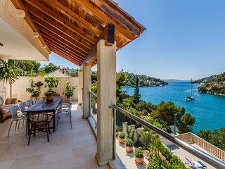 BC1 Lux Villa Clementine for 12 front line - Bobovisca vacation rentals