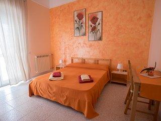 Casa Di Bello Affittacamere Camera Arancio - Rodio vacation rentals