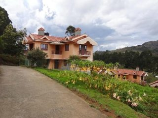 Peaceful stay for a family, facing a picturesque valley - Kodaikanal vacation rentals