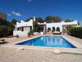 Lovely House in Cala Pi, 3 Bedrooms, 2 Bathrooms, Internet Free, Sleeps 6/7 - Llucmajor vacation rentals