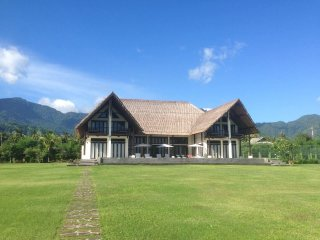 Beautiful Villa with Internet Access and A/C - Grokgak vacation rentals