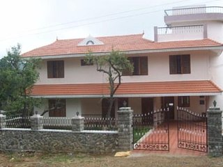 Modern Homestay Room near Bus Terminal - Kodaikanal vacation rentals