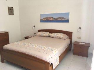 Cozy 3 bedroom Apartment in Linosa - Linosa vacation rentals