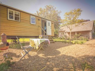 Nice Shepherds hut with Internet Access and Wireless Internet - Fenstanton vacation rentals