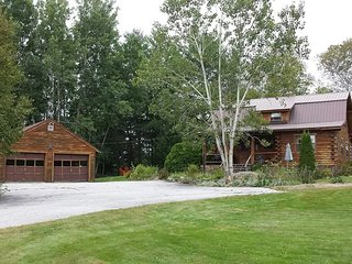 Beautiful House with Deck and Television - Whitefield vacation rentals