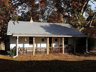 Abbott Cottage At Thus Far Farm - Westminster vacation rentals