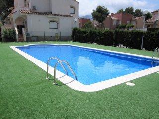ApartBeach Residencial BlauVerd, con piscina y barbacoa - Mont-roig del Camp vacation rentals