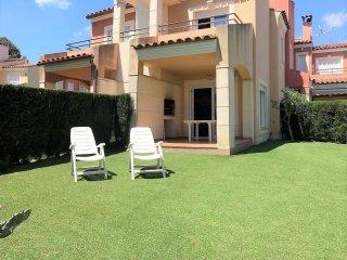 ApartBeach Residencial Verdi IV, con aire, piscina y barbacoa - Mont-roig del Camp vacation rentals