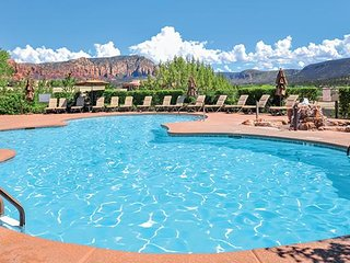 Ridge on Sedona Golf Resort ~ HUGE 2 BD SLEEPS 8 ~ 2 Living Rooms, 2 Kitchens - Sedona vacation rentals