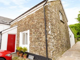 BARN COTTAGE, sleeps six, AGA, garden, High Bickington, Ref 955864 - Umberleigh vacation rentals