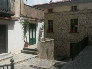 """Casa vacanze """"Zia Lucia"""" in piazza nel centro storico di Pisciotta - Pisciotta vacation rentals"""