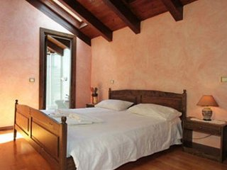 Romantic 1 bedroom Farmhouse Barn in Quarona - Quarona vacation rentals