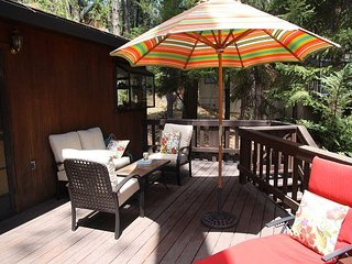 Updated  Blue Lake Springs Home across from Rec Center, SNOWFLAKE CHALET! - Arnold vacation rentals