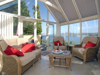 Charming 3 bedroom House in Goodwick - Goodwick vacation rentals