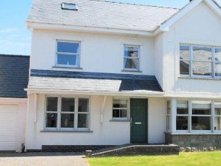 Perfect 4 bedroom House in Holyhead - Holyhead vacation rentals