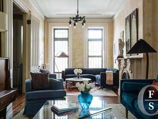 Elegant Brownstone Beauty English Garden Al Fresco Dining Manhattan in Minutes; - Brooklyn vacation rentals