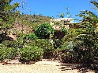 Studio 2 personnes, kitchenette, salle de douche, terrasse privée, piscine - Fonte do Bispo vacation rentals