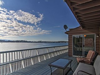 NEW! Waterfront 3BR Port Orchard Apartment! - Port Orchard vacation rentals