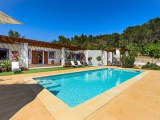 3 bedroom Villa in Santa Eulalia Del Río, Balearic Islands, Ibiza : ref 2259658 - Velverde vacation rentals