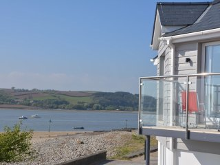 3 bedroom House with Internet Access in Ferryside - Ferryside vacation rentals