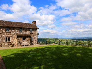 2 bedroom House with Fireplace in Walterstone - Walterstone vacation rentals