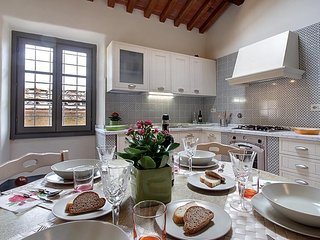 2 bedroom House with Washing Machine in Legri - Legri vacation rentals