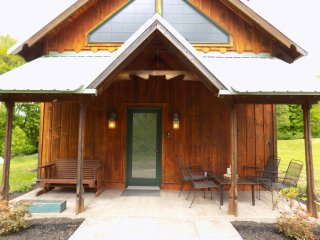 Perfect 3 bedroom Maryland Chalet with A/C - Maryland vacation rentals