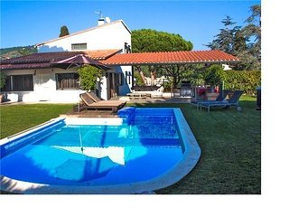 Exquisite villa for 9 in Cabrera de Mar, only 2km to the beach and 15km to - Cabrera de Mar vacation rentals
