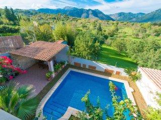 3 bedroom Villa with Internet Access in Binibona - Binibona vacation rentals