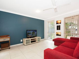 Rowlo's Retreat - Lennox Village Home! - Lennox Head vacation rentals