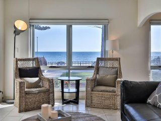 Gorgeous 3 bedroom Henley Beach House with Internet Access - Henley Beach vacation rentals