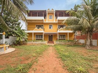 Vibrant stay for a solo traveller, 1.3 km from Candolim Beach - Candolim vacation rentals