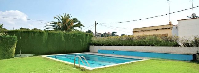 Nice Condo with Shared Outdoor Pool and Television - Arenys de Mar vacation rentals