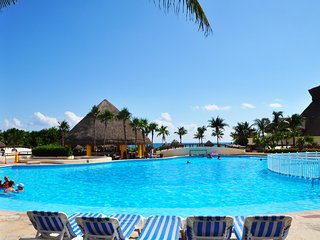 VILLA EVA LUXURY AKUMAL IN THE BAHIA PRINCIPE RESIDENCIAL GOLF AKUMAL - Akumal vacation rentals