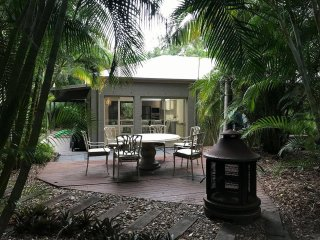 Butterfly's Hideaway Cottage - Glasshouse Mountains - Beerwah vacation rentals