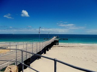 Cosy Home minutes to Fremantle, Beach and  Park - Hamilton Hill vacation rentals