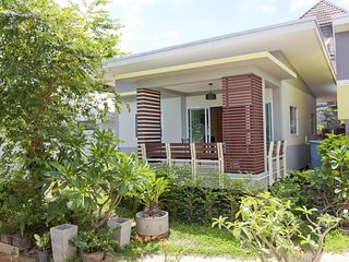Modern 2 Bedroom House & Pool near Beach - Bophut vacation rentals
