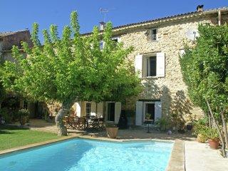 Maison de vacances - PIOLENC - Provençale Mas (18th century) with enclosed garden with private swimming pool - Piolenc vacation rentals