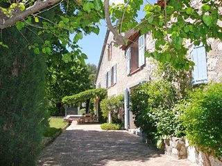 Villa Lucca - Country-style Mas with private pool, 3 km from the attractive village Fayence - Fayence vacation rentals