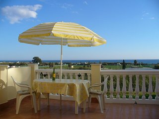 Air-Conditioned modern 3 Bedroom house,  Panoramic sea views close to beach - Torre del Mar vacation rentals