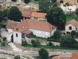 Nice House with Internet Access and A/C - Saint-Medard vacation rentals