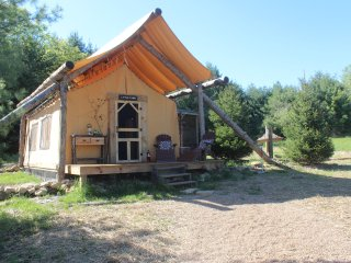 Perfect Cottage with A/C and Parking - Dover vacation rentals