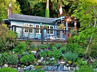 Ocean View Character Cottage Near Vancouver - Gibsons vacation rentals