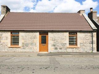 65 MAIN STREET, super king size, en-suite, garden, Milton of Balgonie, Ref - Markinch vacation rentals