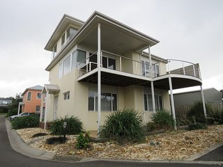 Cozy 3 bedroom Smiths Beach House with Balcony - Smiths Beach vacation rentals