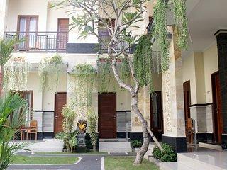rade guest house canggu - Canggu vacation rentals
