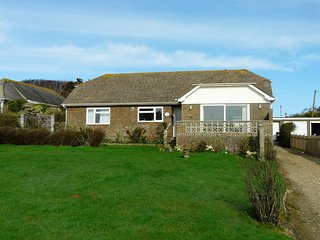 Cormorants - a large bungalow on the cliff top with fabulous sea views. - Fairlight vacation rentals