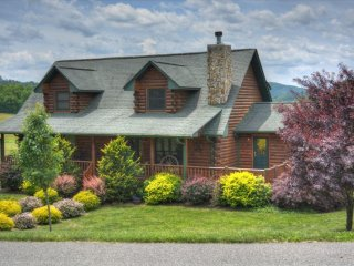 Spacious 4 bedroom Cabin in Jefferson with Deck - Jefferson vacation rentals