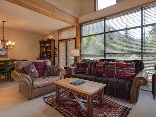 Ski Tip Townhome 8716 - On free shuttle, beautiful 2 story floor plan - Keystone vacation rentals