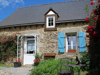Charming Gite with Internet Access and Satellite Or Cable TV - Rohan vacation rentals